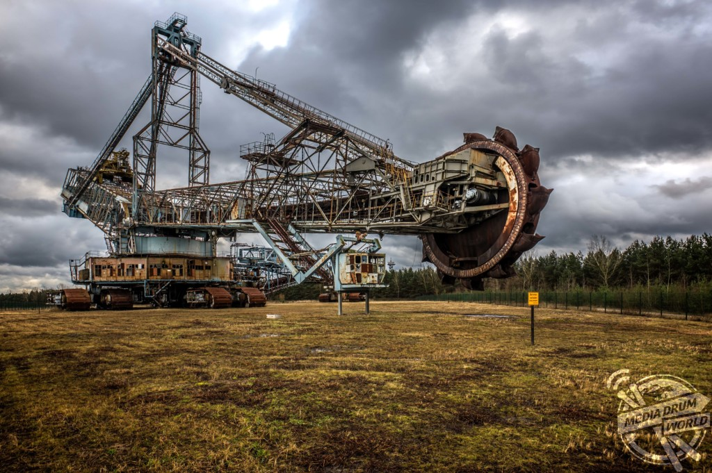 Is This Excavator The World S Largest Abandoned Vehicle Media Drum World