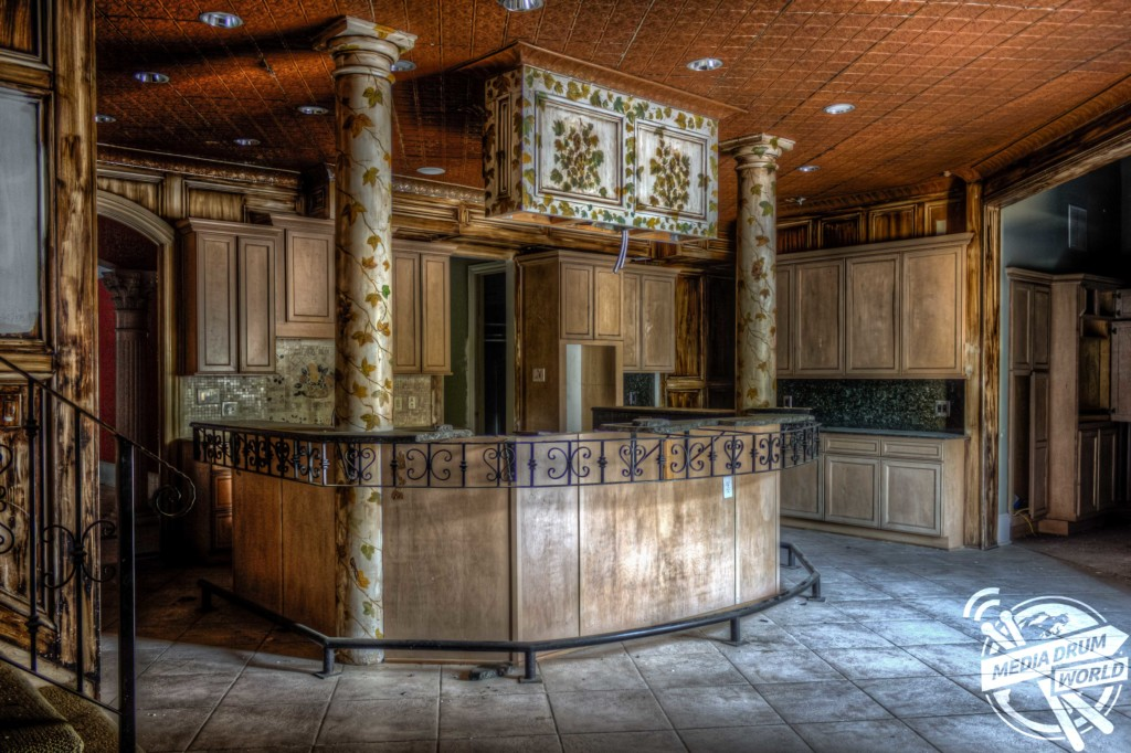 . Look Inside  Scarface Tony Montana Would Have Loved This Abandoned