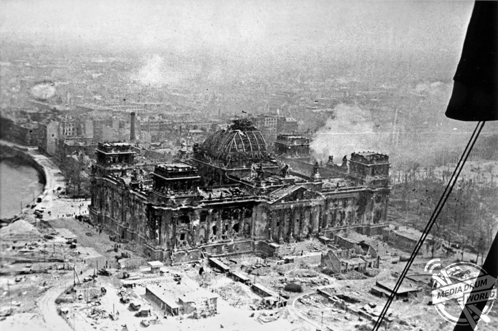 An aerial view of the Reichstag after the battle.  Vassili J. Subbotin / mediadrumworld.com