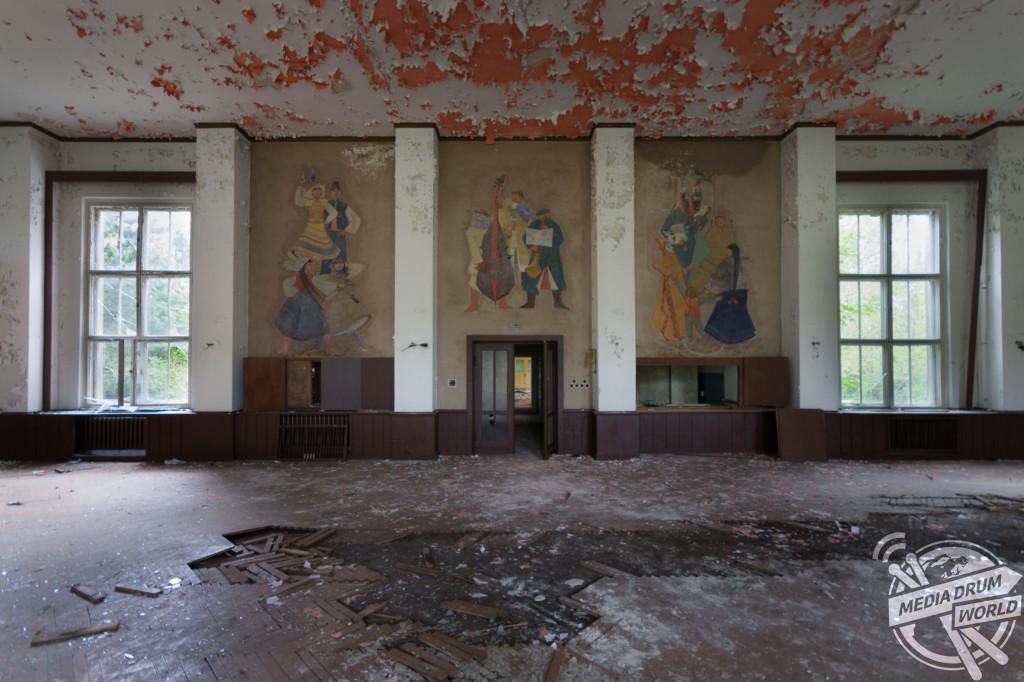 GDR Pflegeheim S (nursing home), Germany.  Martin ten Bouwhuijs / mediadrumworld.com