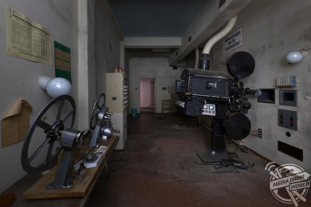 Kurklinik Volkov (Sanatorium), Germany. Original old control room.  Martin ten Bouwhuijs / mediadrumworld.com