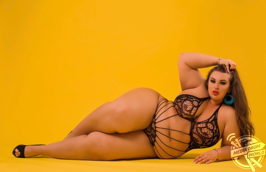 mobile porn video Athletes nude naked shower hidden