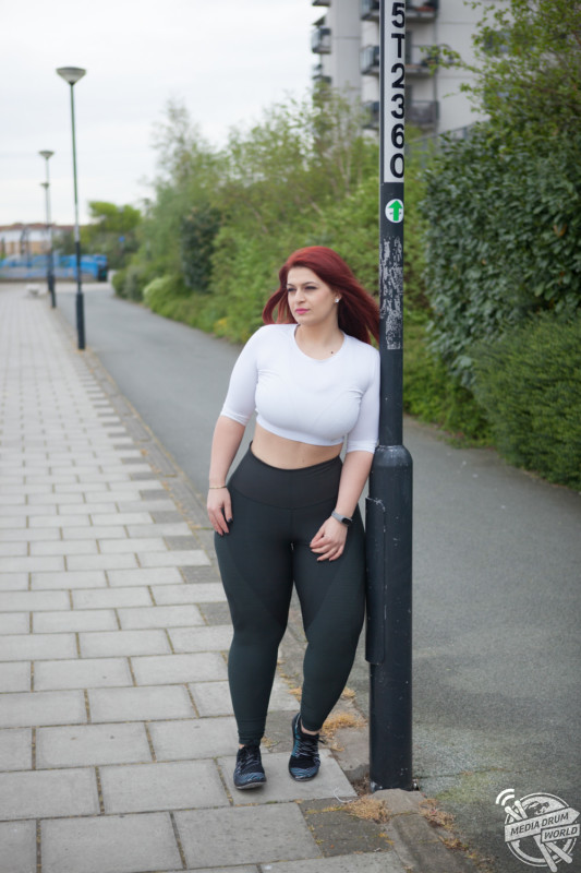 Hot summer days curvy milf gets titties fucked by mature man - 5 1