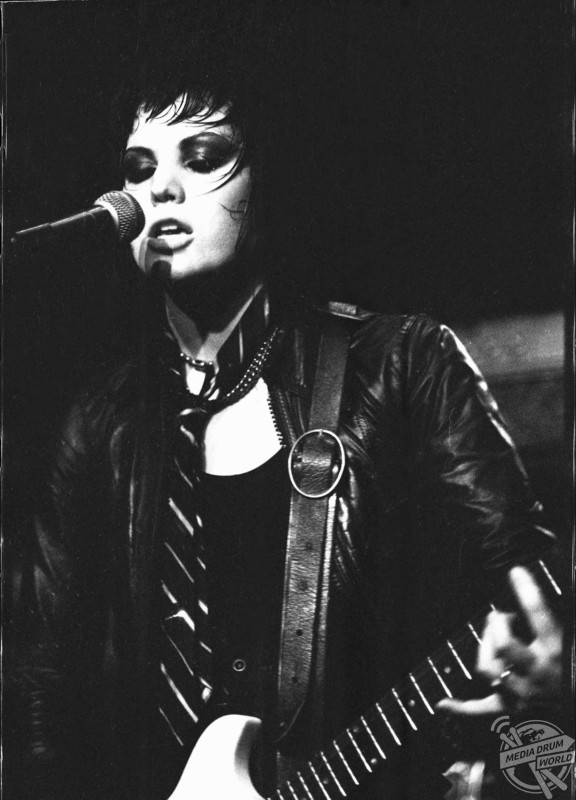 Stories of 1970s Punk Girl Bands Revealed In New Book ...