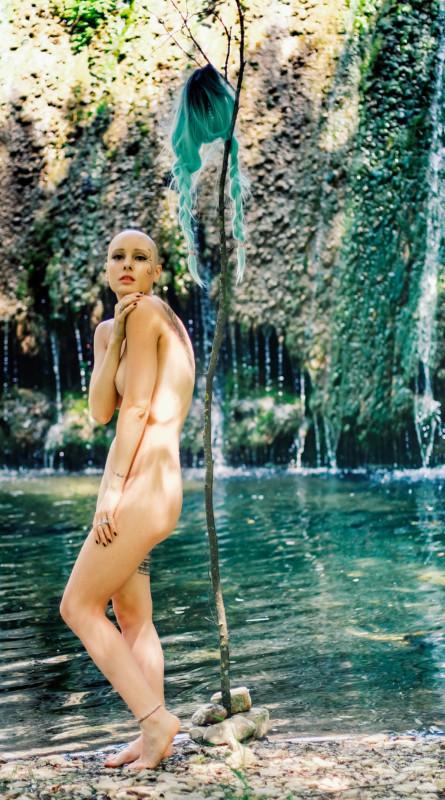 Bald nude lady random photo gallery